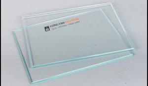 Giá kính siêu trong 5mm