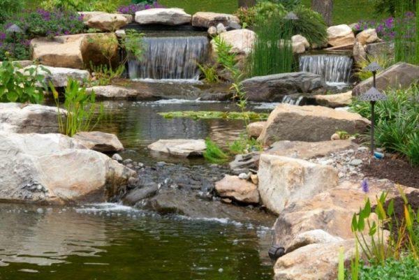 Những lưu ý về thác nước bể cá koi