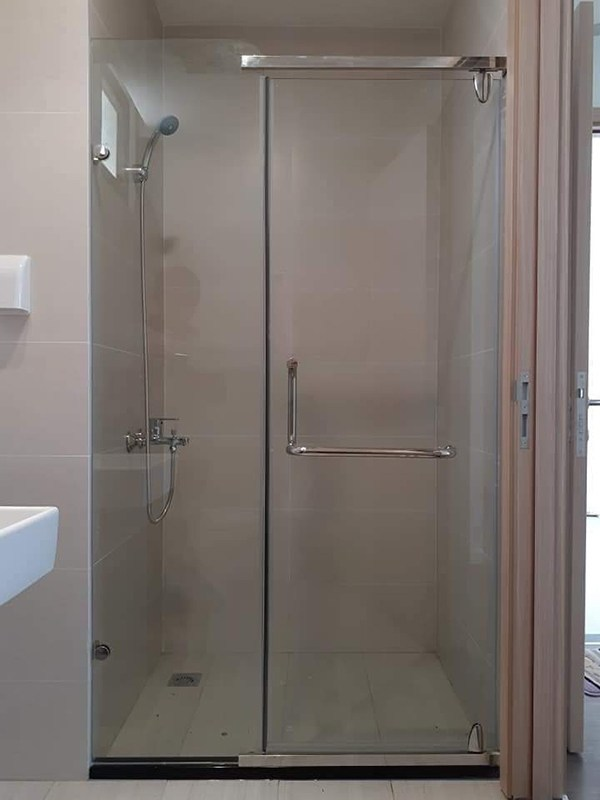 Mẫu vách kính cường lực nhà tắm đẹp cho căn nhà siêu sang